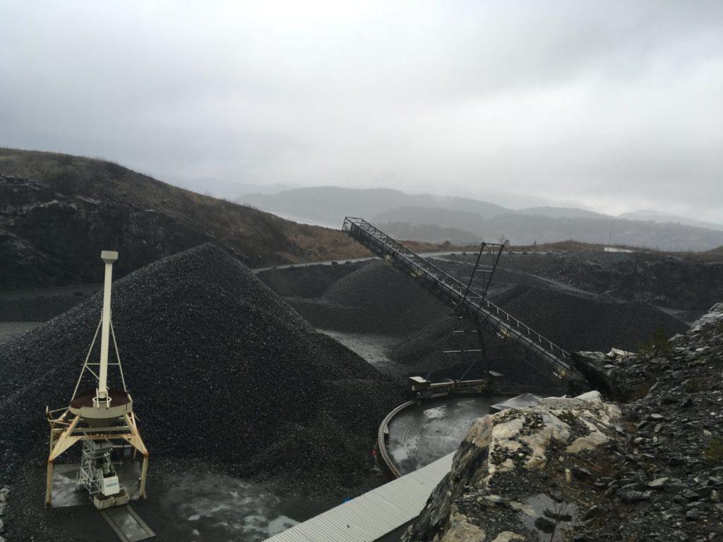 Verticaal transport van bulkgoederen in zeer vervuilde omgeving