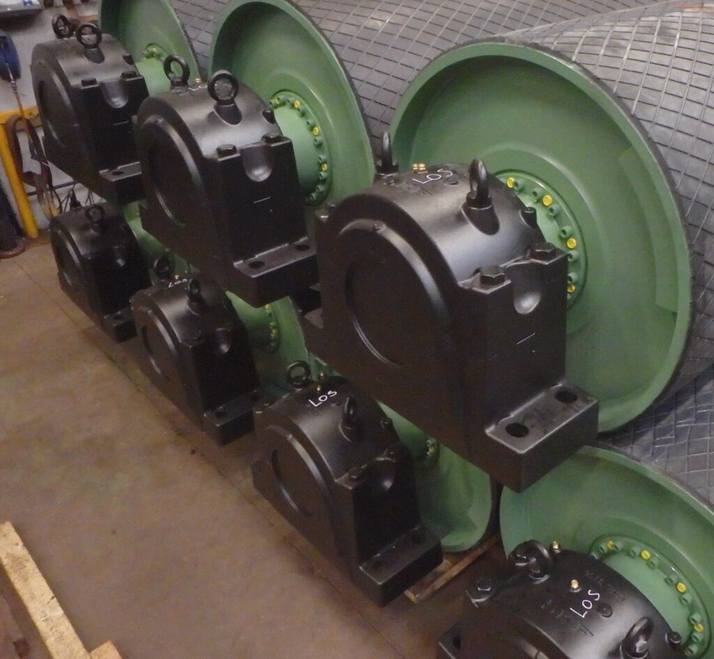 Stokman BV ontwerpt, vervaardigt en installeert transportband trommels voor bulkhandling transportsystemen.